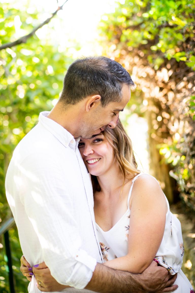 Photo couple engagement, à Ansouis dans le Luberon en Provence