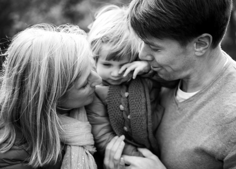 Séance photo famille en Provence, près de Pertuis dans le Luberon
