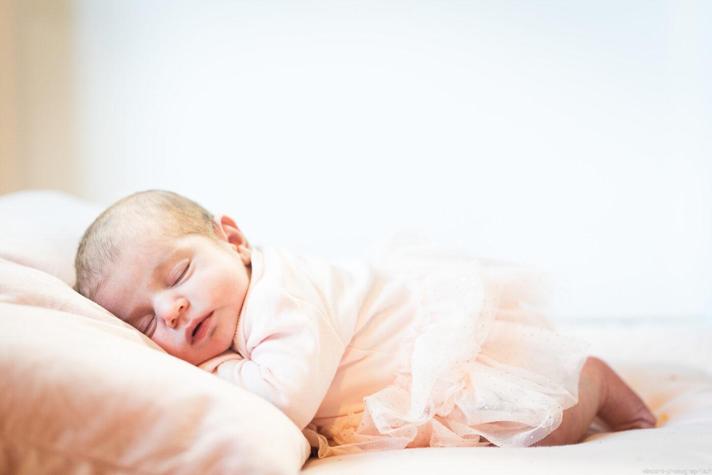 Photo d'un nouveau-né à Cabriès lors d'une séance